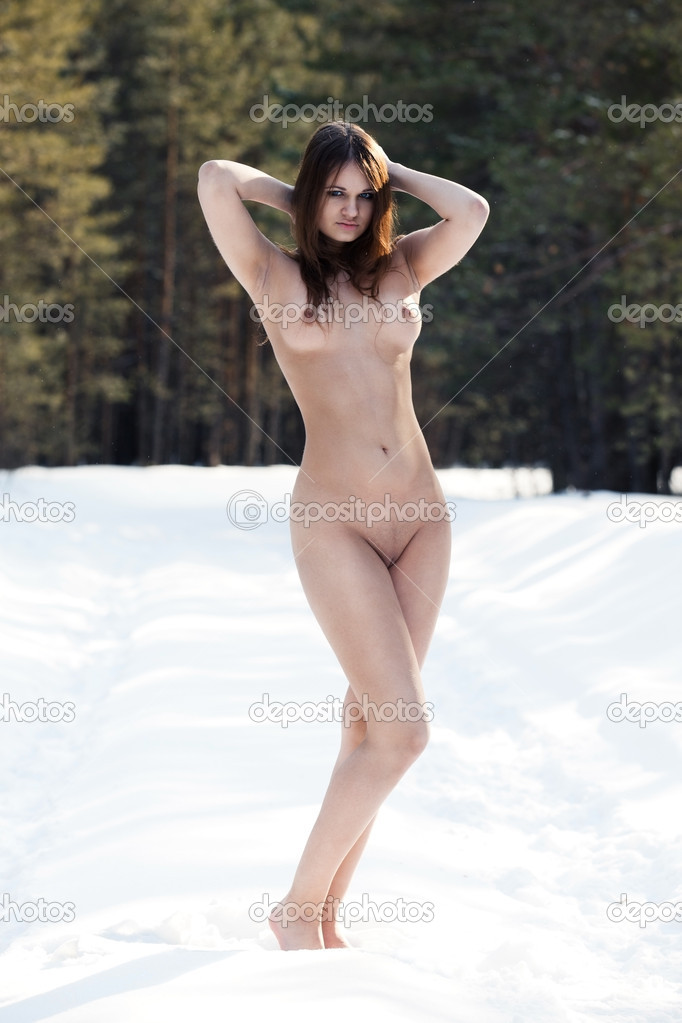 Nackte Frau Im Schnee